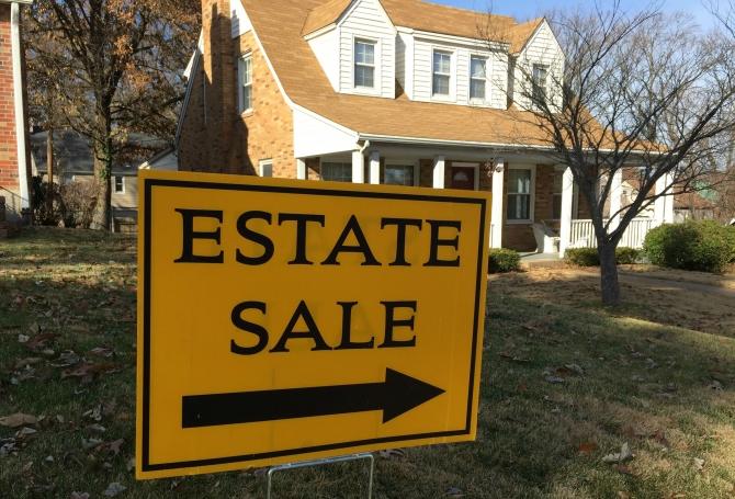 Estate Sale... là bán sạch gia tài
