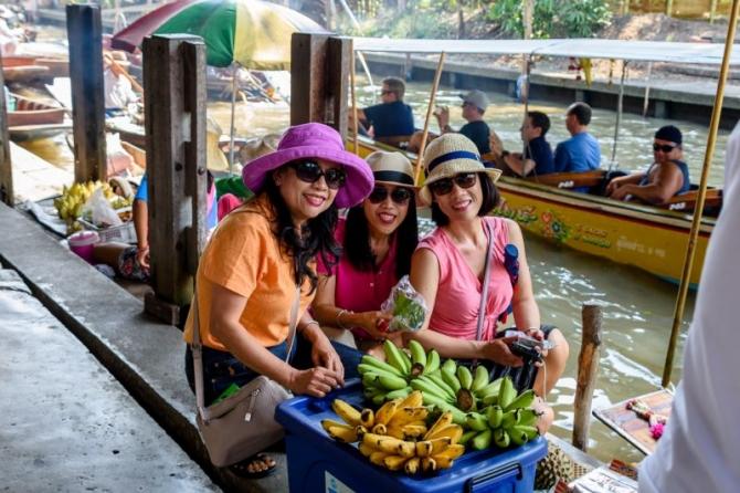 Một chuyến đến 2 chợ nổi ở Thái Lan