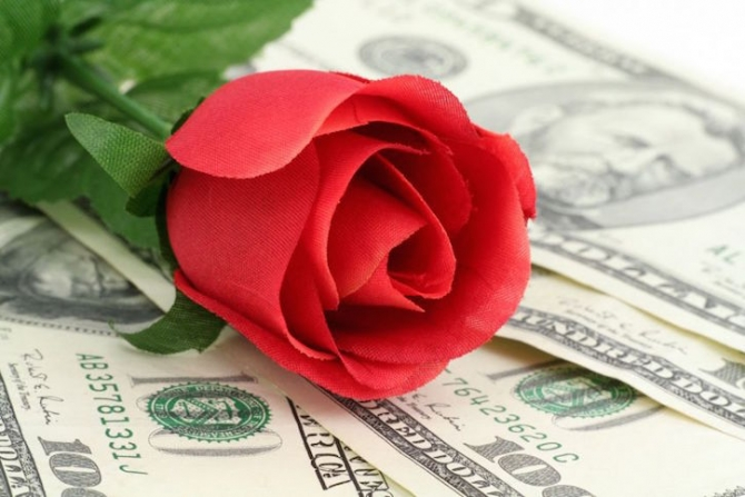 Tình yêu và tiền bạc: Rốt cuộc bên nào quan trọng hơn?
