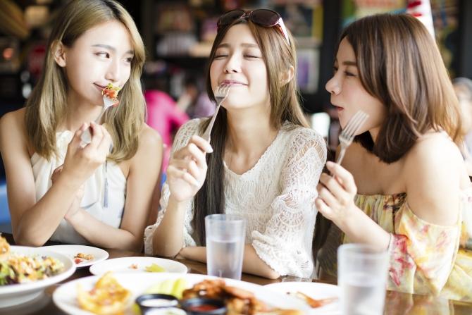 Tuổi tác ảnh hưởng đến sự thèm ăn