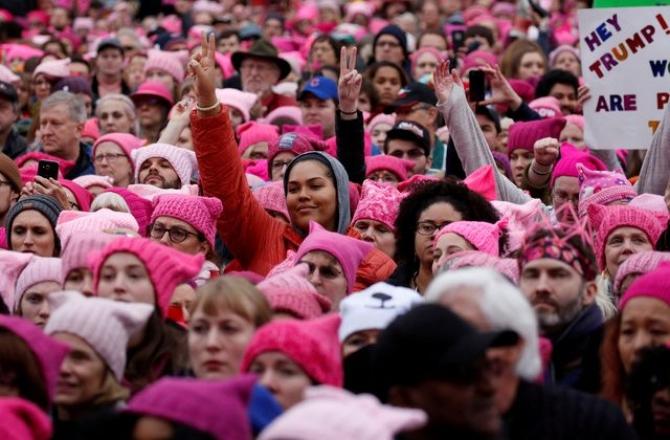 Phụ nữ khắp thế giới biểu tình sau khi Trump nhậm chức