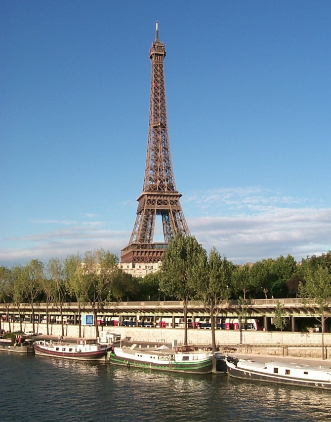 """""""Nhà nổi"""" trên sông Seine- Pháp"""