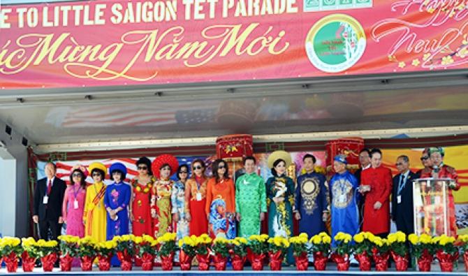 Diễn Hành Tết Mậu Tuất tại Little Saigon