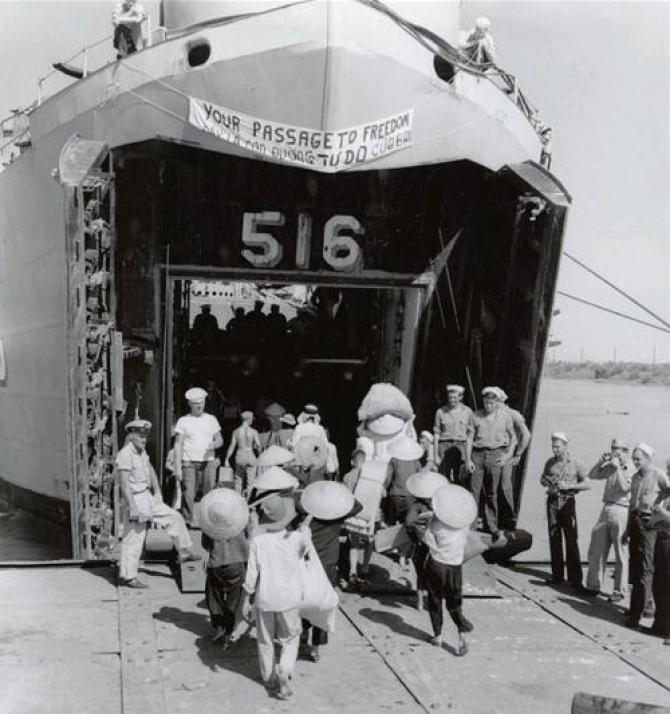 LỊCH SỬ - Hình ảnh năm 1954: từ Bắc vô Nam