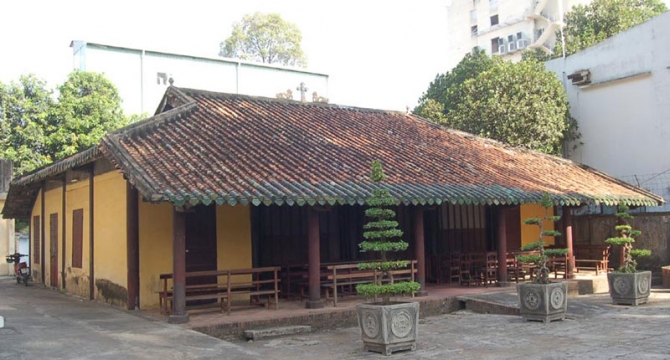 Ngôi nhà gỗ trong tòa Tổng Giám Mục