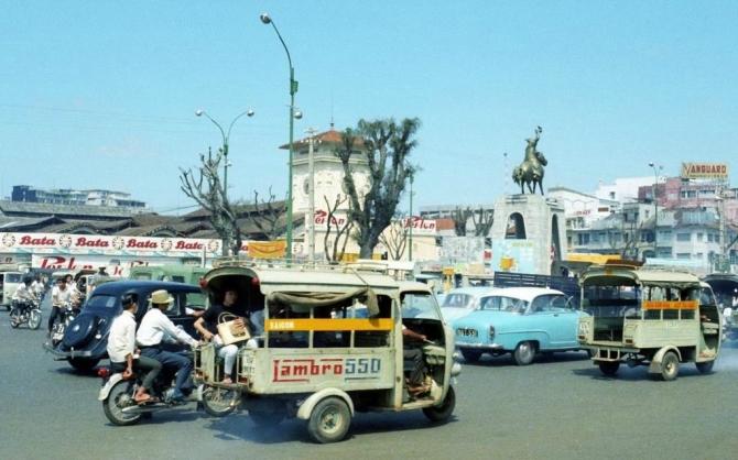 Sài Gòn xưa: Hoài niệm về xe lam, xe đò