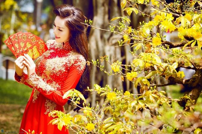 Phong tục lễ Chùa ngày và hái lộc Tết của người Việt