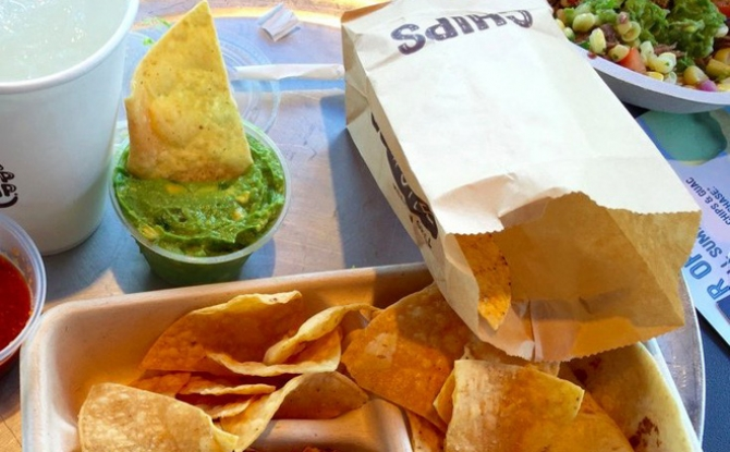 Sức thu hút của đồ ăn nhanh và quà vặt