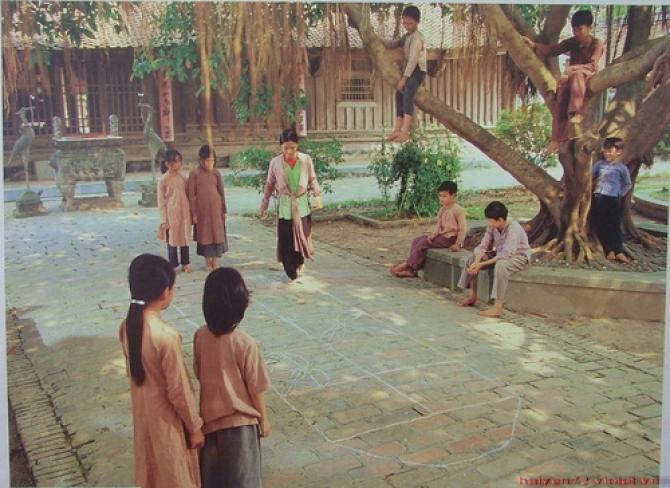 Hương sắc Việt Nam: Ta của ngày xưa, đâu rồi nụ cười nắc nẻ lúc đánh đáo nhảy dây?
