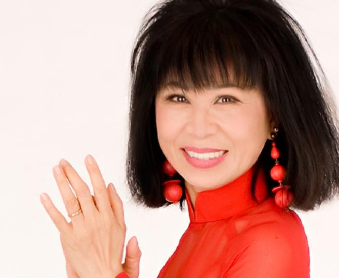 Nữ danh ca Bạch Yến-Nữ ca sĩ Việt đầu tiên đến với kinh đô điện ảnh Hollywood