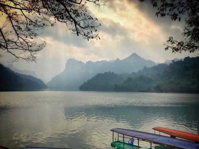 Hành trình Xuyên Việt 7a (Hồ Ba Bể) - NAM MAI