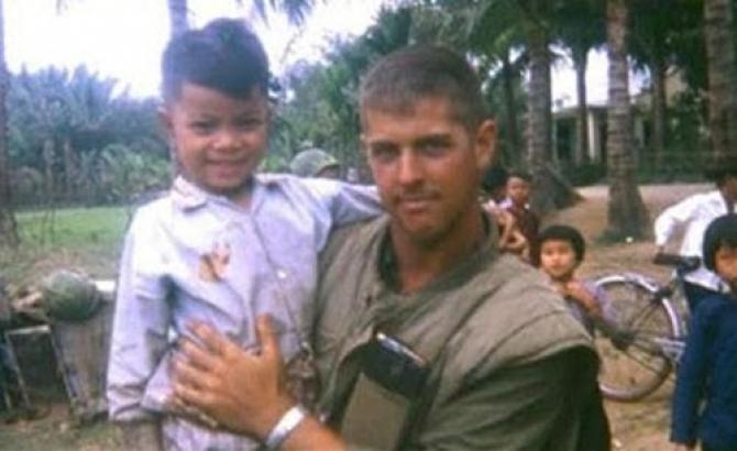 Lời hứa 40 năm của người lính Mỹ với một em bé Hội An