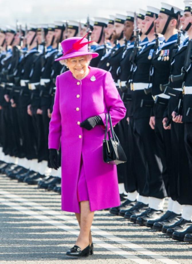 Nữ hoàng Anh Elizabeth II là biểu tượng thời trang?