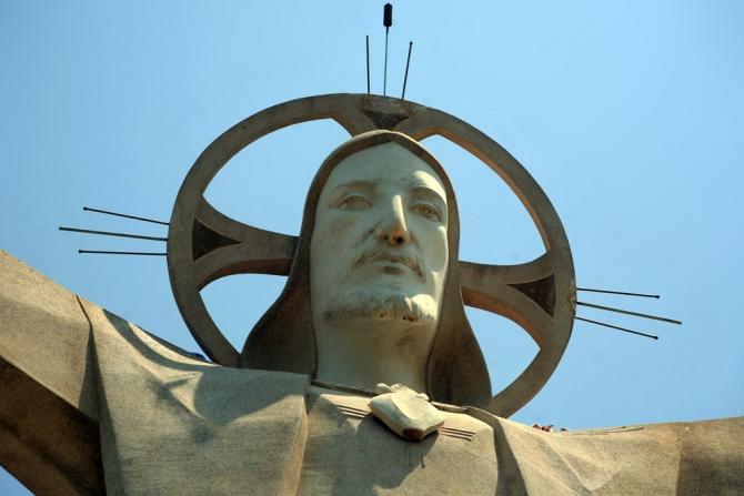 Tượng Chúa Jesus khổng lồ nhất châu Á của Việt Nam