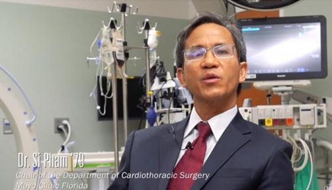 Một bác sĩ gốc Việt tỵ nạn lừng danh thế giới