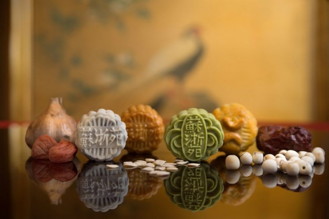 Khám phá tinh hoa ẩm thực của các quốc gia châu Á trong chiếc bánh 'trông trăng'