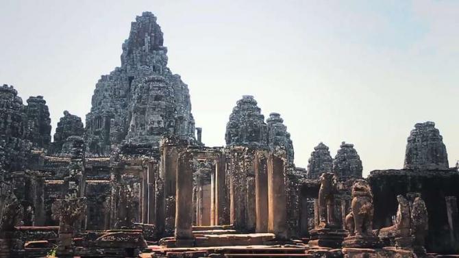 Cambodia trên đường vượt biên