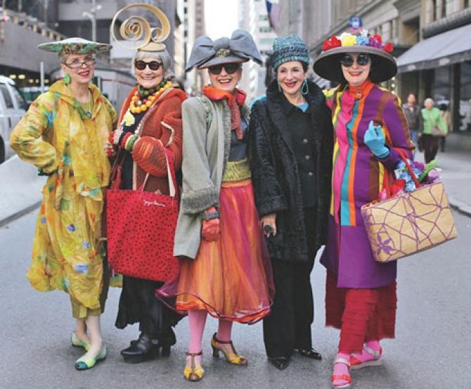 """Những cụ già """"rực rỡ"""" với thời trang"""